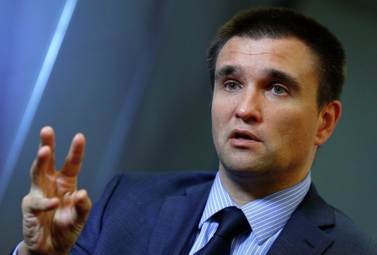 Климкин назвал причину бегства сотен тысяч украинцев из страны